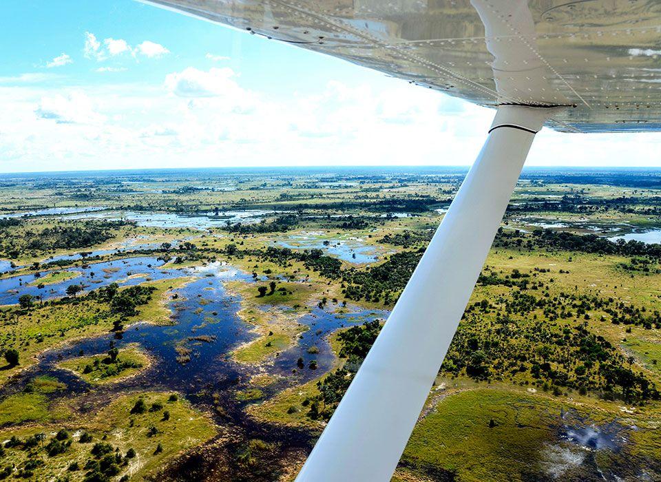 botswana-okawango-delta-moremi-wildlife-reserve-flugzeug-safari
