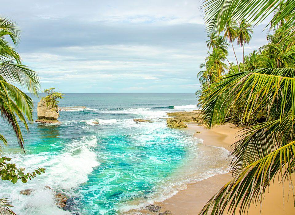 costa-rica-puerto-manzanillo-strand