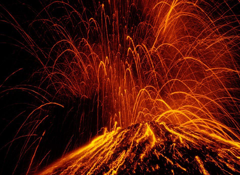 costa-rica-vulkan-arenal-ausbruch-lava-nacht