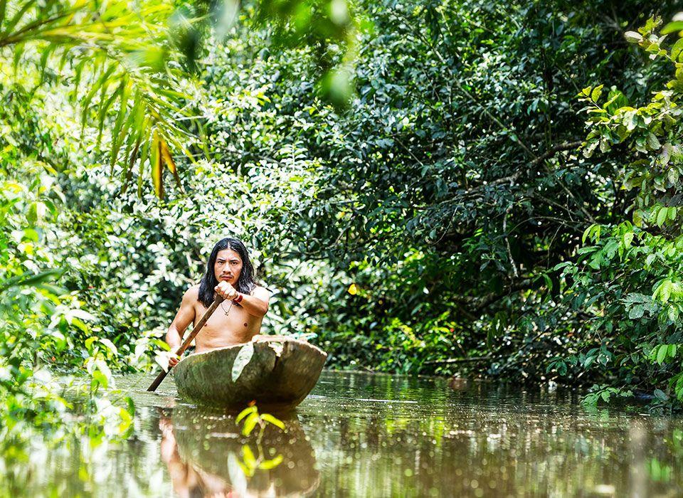 ecuador-amazonas-kapawi-edolodge-reserve-indianer-boot