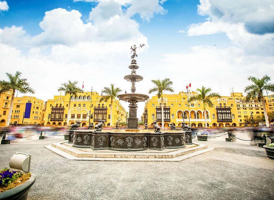peru-lima-plaza-de-armas-plaza-mayor