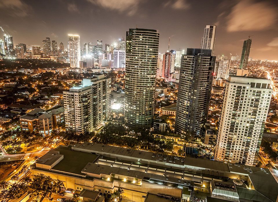 philippinen-makati-skyline-nacht