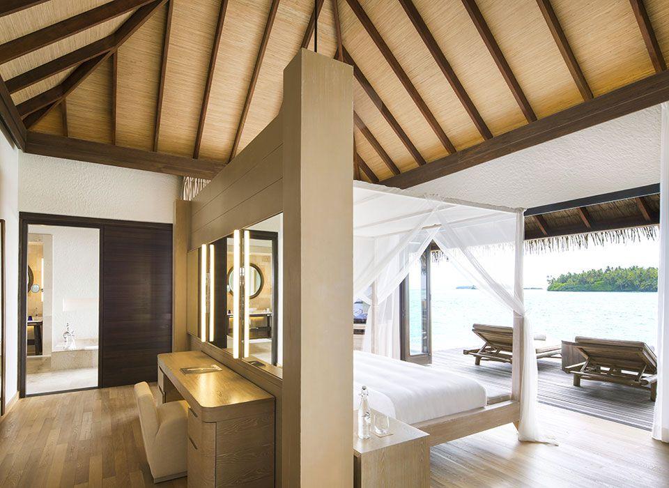 COMO Maalifushi - Malediven - Thaa Atoll - Overwater Suite - Schlafzimmer