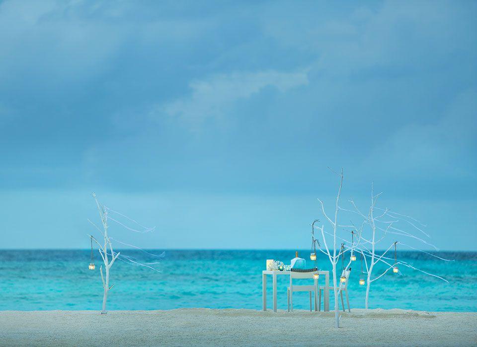 COMO Maalifushi - Malediven - Thaa Atoll - Privates Dinner am Strand