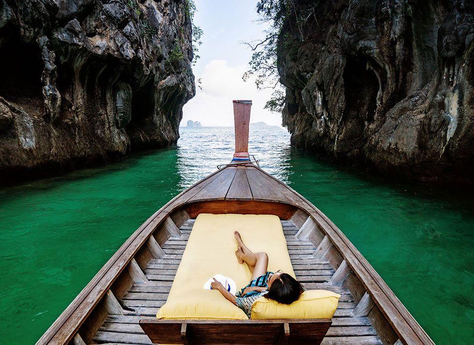 Ausflug auf dem Wasser mit dem Longtail Boot