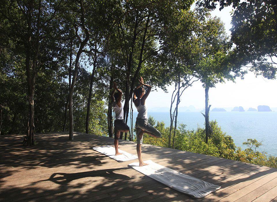 Sixs Senses Yao Noi - Thailand - Phang-Nga Bay - Yoga an der frischen Luft